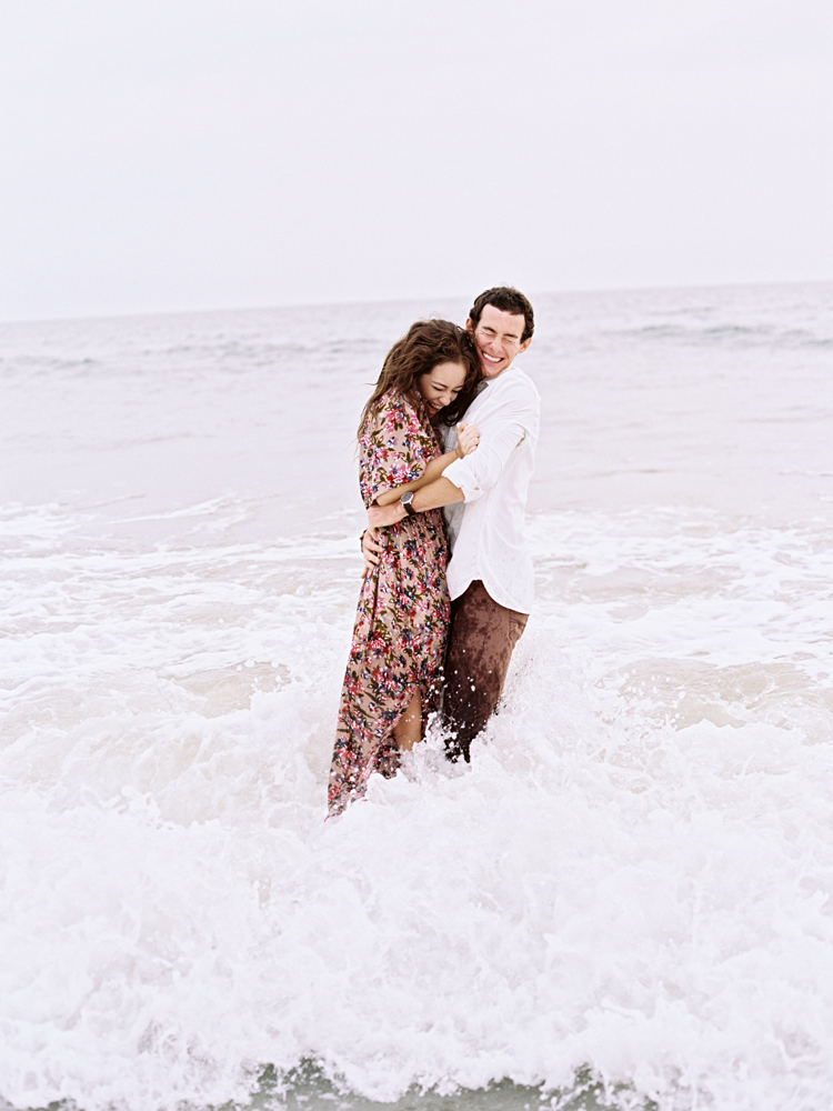 little-talbot-park-beach-engagement-session.jpg