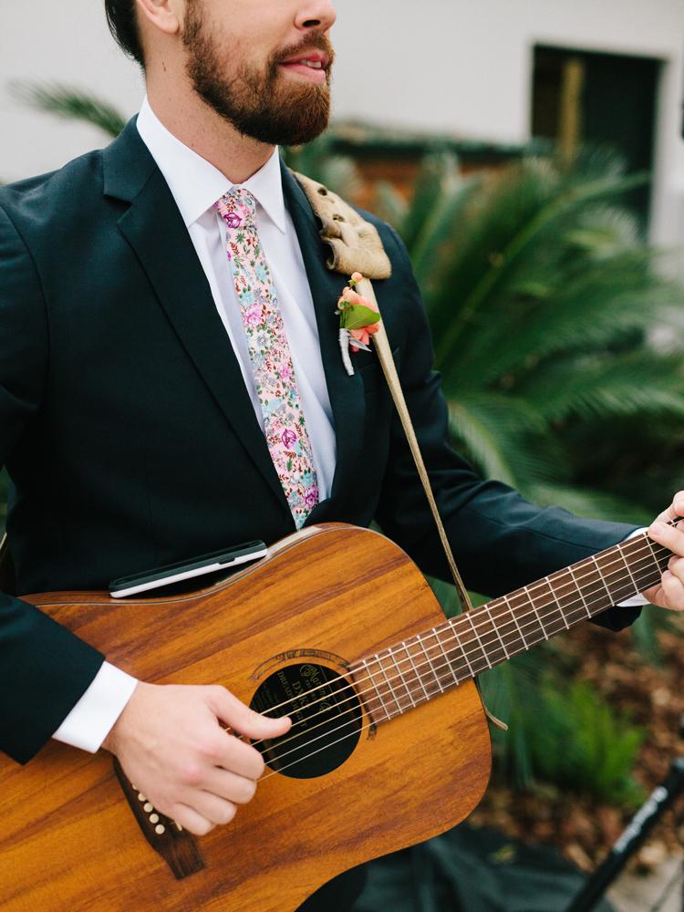 guitarist-wedding-musician-pena-peck-house.jpg