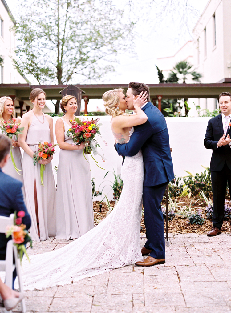 couple-kissing-at-st-augustine-wedding-gina-spencer.jpg
