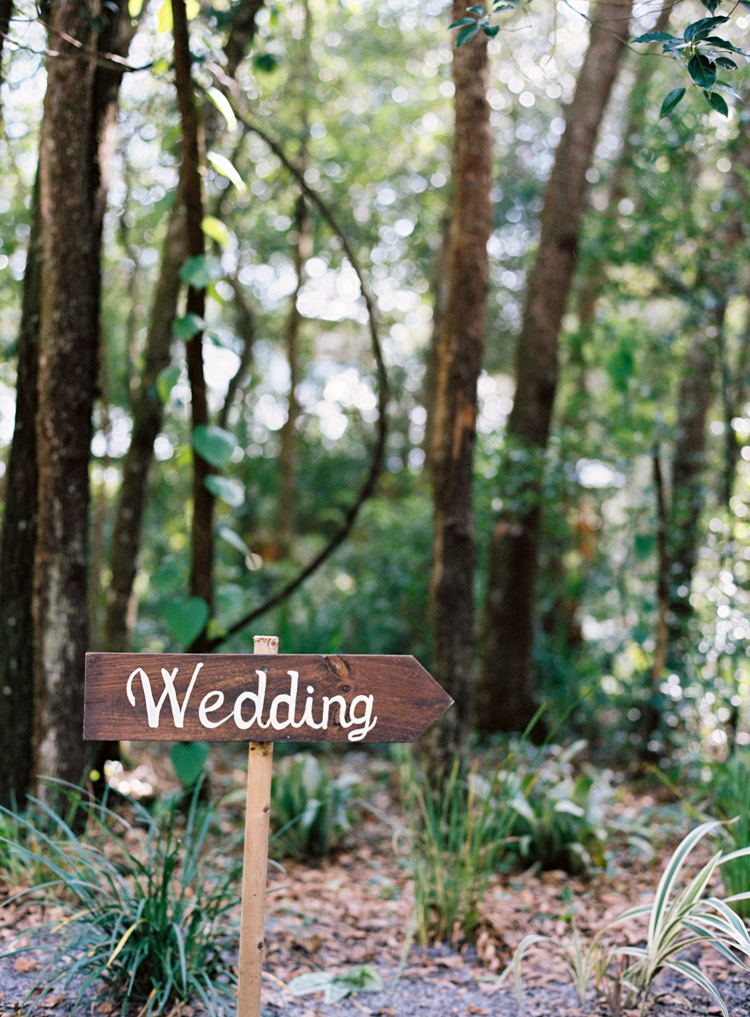 wedding-sign-at-bridle-oaks-deland-fl.jpg