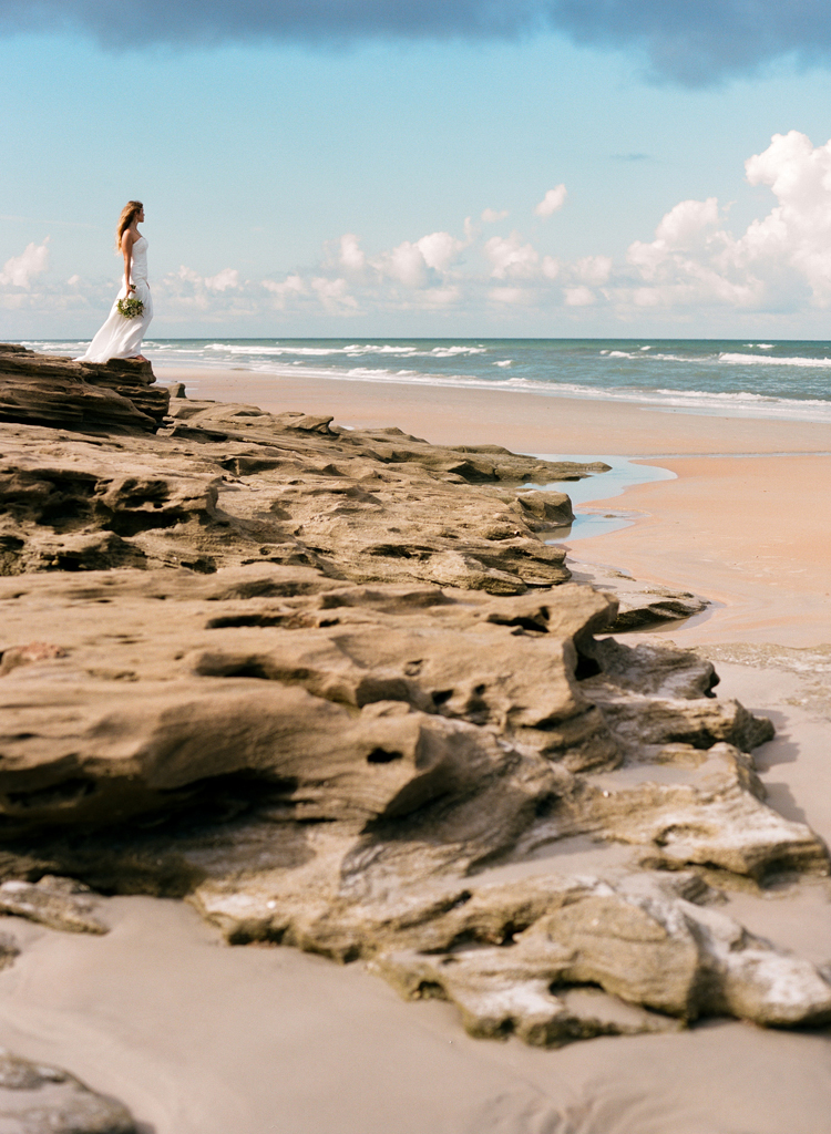 bride-on-rocks-washington-oaks-gardens.jpg