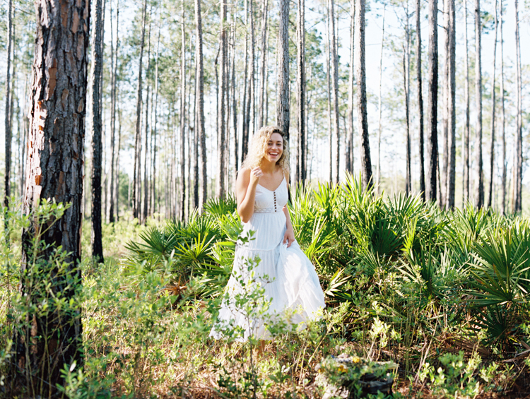 jacksonville-photographer-chelsea-in-the-woods.jpg