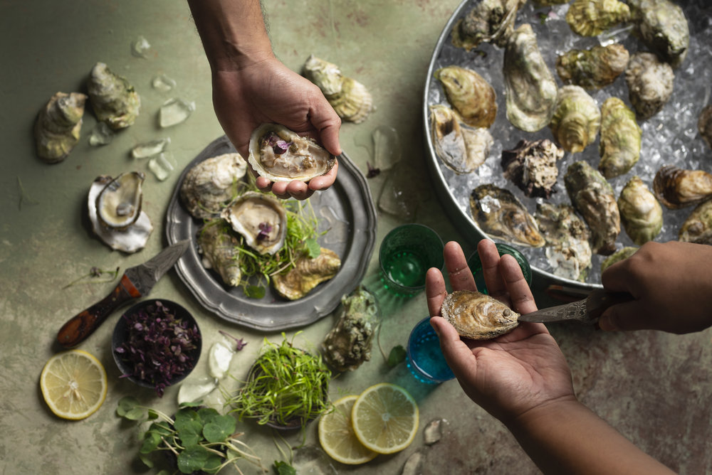 OysterPlatter-TwoHands-HR-SimiJois-2018.jpg