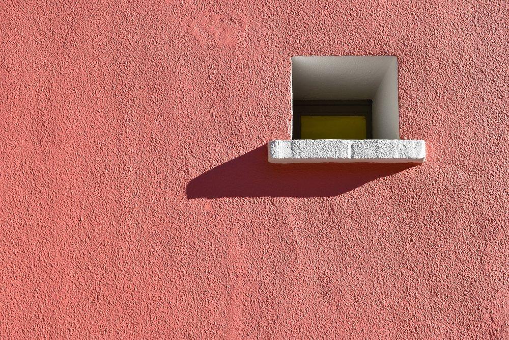 window-2749206_1920.jpg