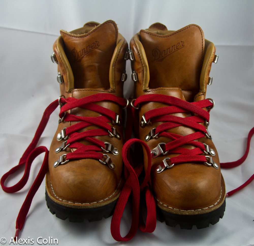 Waffle Stompers//The Danner Mountain Light Cascade Boots — Gear Girl