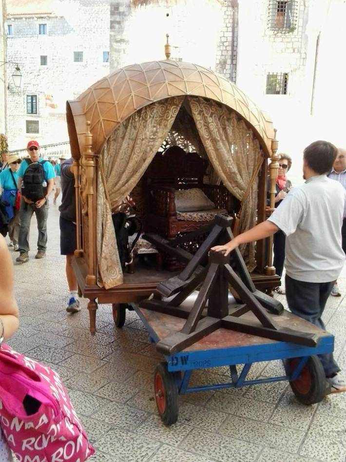 Margaery Tyrell's Carriage?