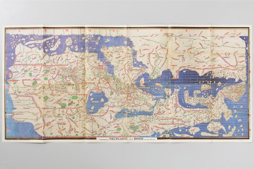 adrienne-bornstein-reliefs-graphisme-brochures-05.jpg