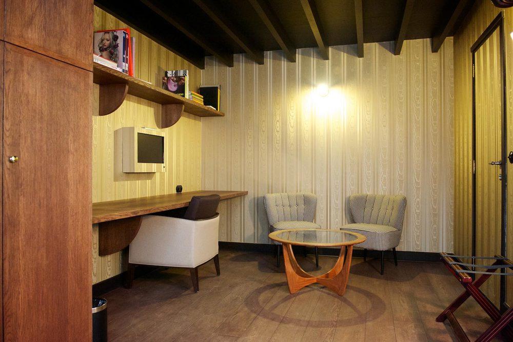 Hotel Le Berger   Comfort Mezzanine    BOOK A ROOM
