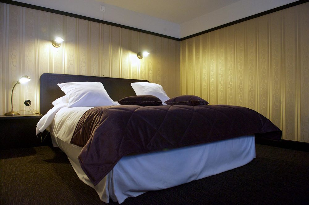 hotel-le-berger-rooms-comfort-mezzanine-eulalie-003-09.jpg