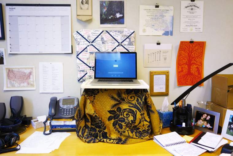 Katy Steinmetz's (@katysteinmetz) DIY standing desk that transformed her life from TIME.