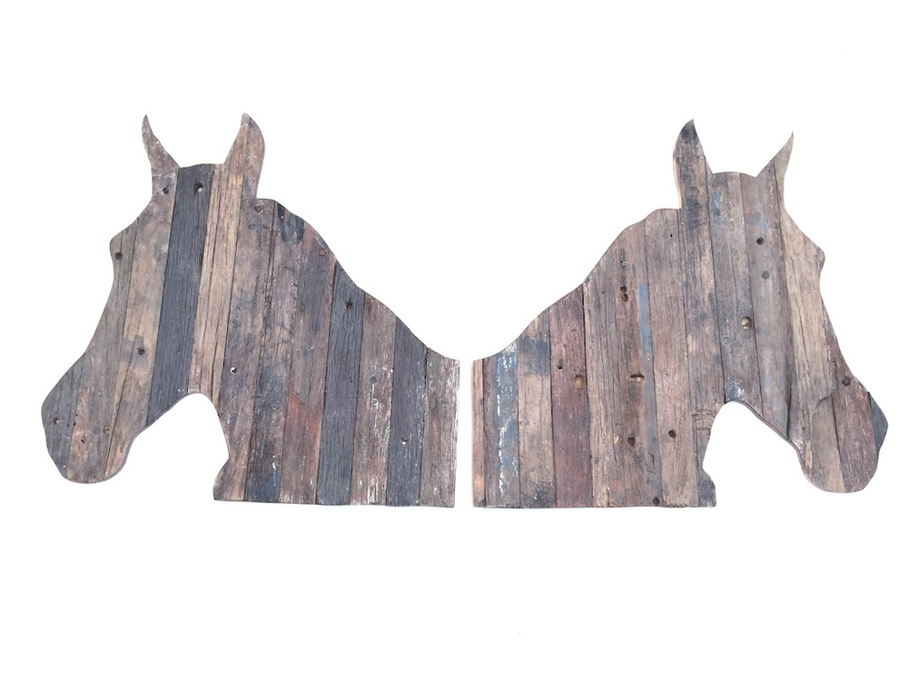 RECLAIMED HORSE PANELS