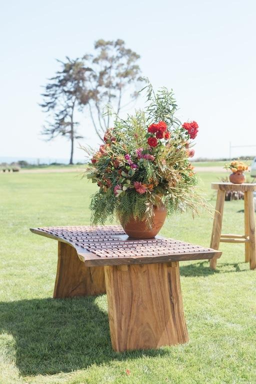 Escort Table Acacia.JPG