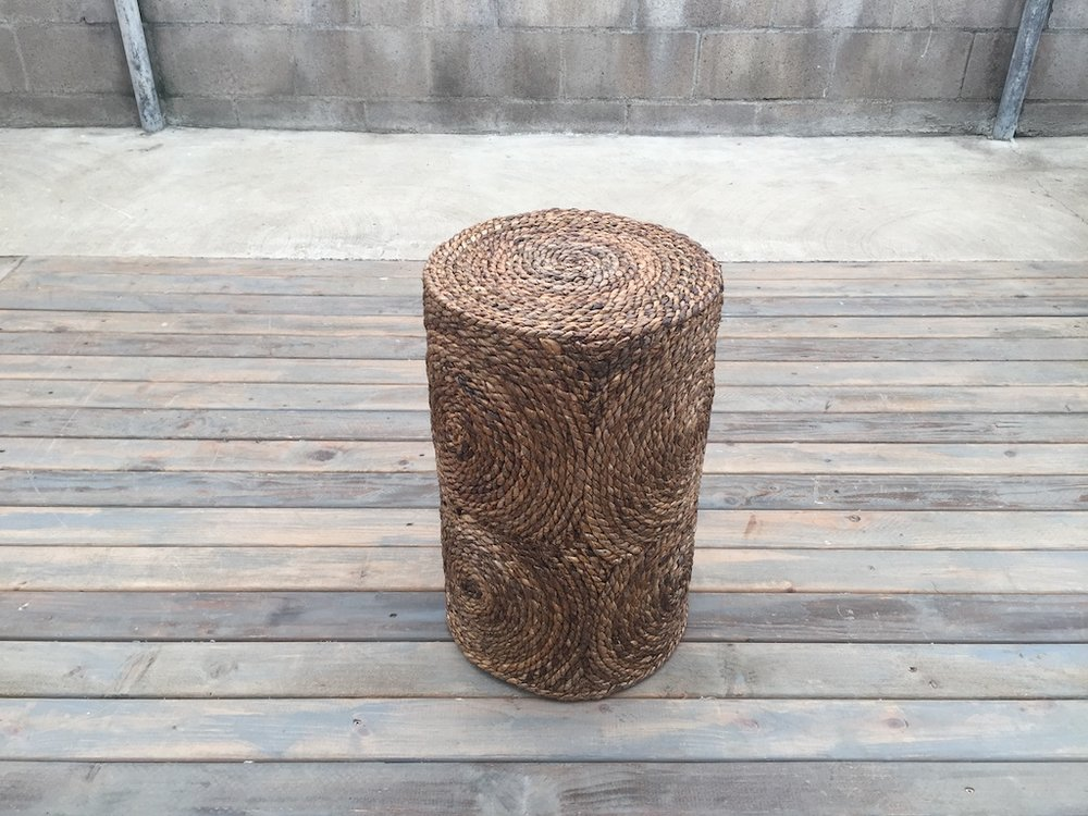 BANANA ROPE SIDE TABLE