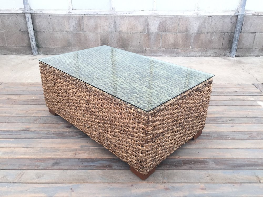 WOVEN RECTANGLE TABLE
