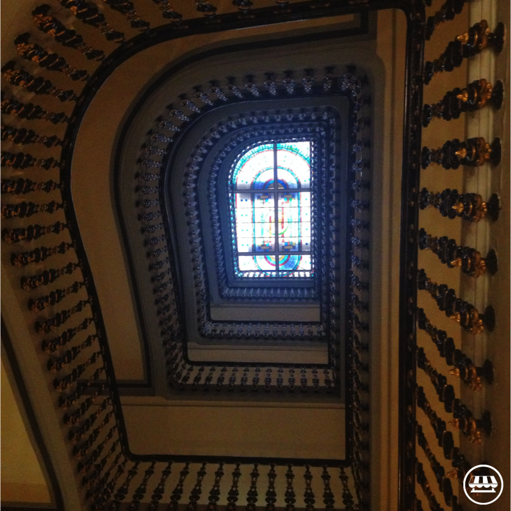 avenida-palace-hotel-lisbon-staircase.png