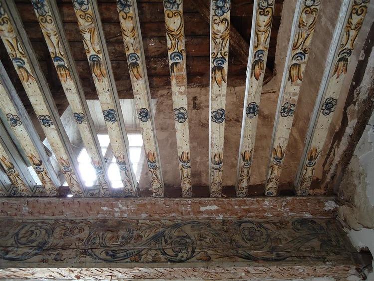 chateau-de-gudanes-interior.jpg