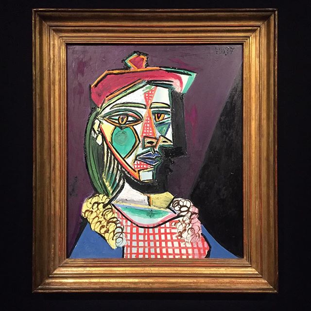 """Estimate upon request"" or a Picasso you can only see until someone buys it at auction again. A fascinating way to see free art in London is to visit the auction houses, specially on the weeks they hold big sales like this one at @sothebys this week. Amazing pieces and for the most you can check the estimate and dream whether or not you would pay their worth! 🤩💰 👍🏽"