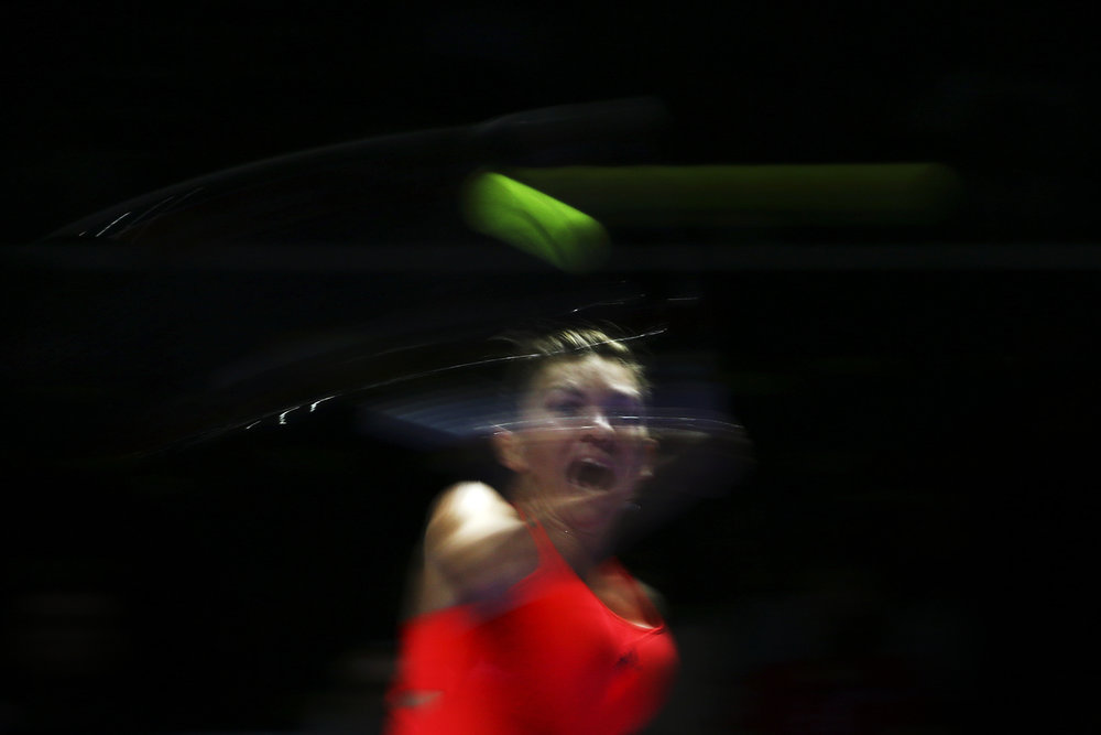 Tennis - BNP Paribas WTA Finals - Singapore Indoor Stadium - 25/10/16 Romania's Simona Halep in action during her round robin match Mandatory Credit: Action Images / Yong Teck Lim Livepic EDITORIAL USE ONLY.