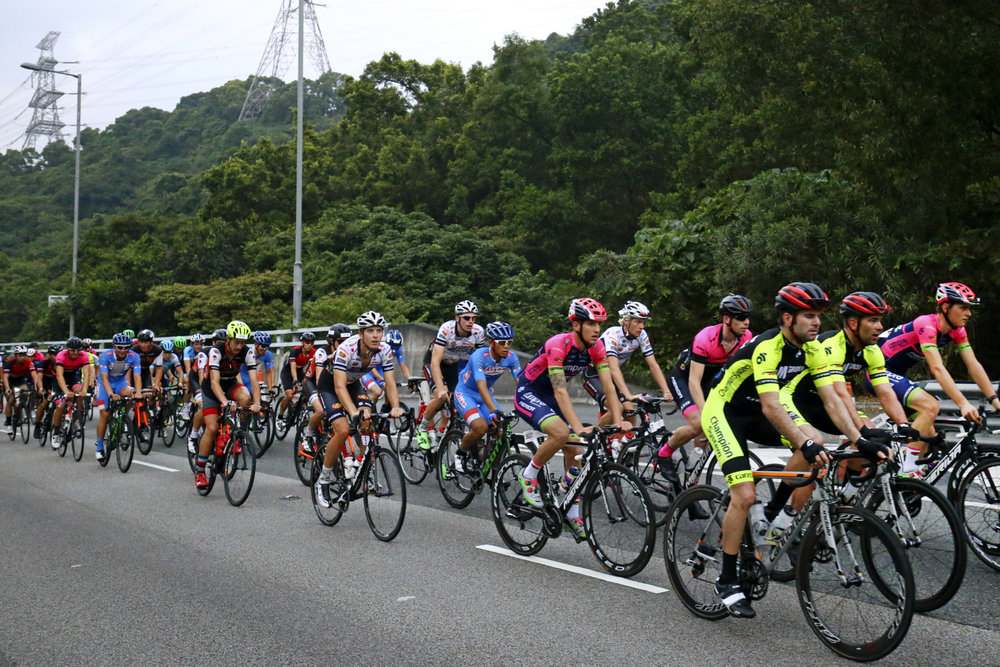 Cycling - Hong Kong Cyclothon 2016 - Hong Kong - 25/09/16 Competitors in action during 50 km Ride. The Hong Kong Cyclothon is the biggest cycling event in Hong Kong and features four races and five cycling activities. REUTERS/Yong Teck Lim