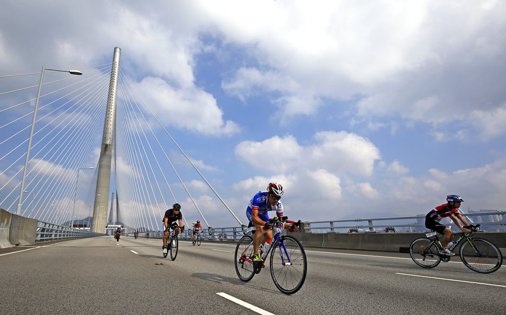 Cycling - Hong Kong Cyclothon 2016 - Hong Kong - 25/09/16 Competitors in action during the 30 km Ride. The Hong Kong Cyclothon is the biggest cycling event in Hong Kong and features four races and five cycling activities. REUTERS/Yong Teck Lim