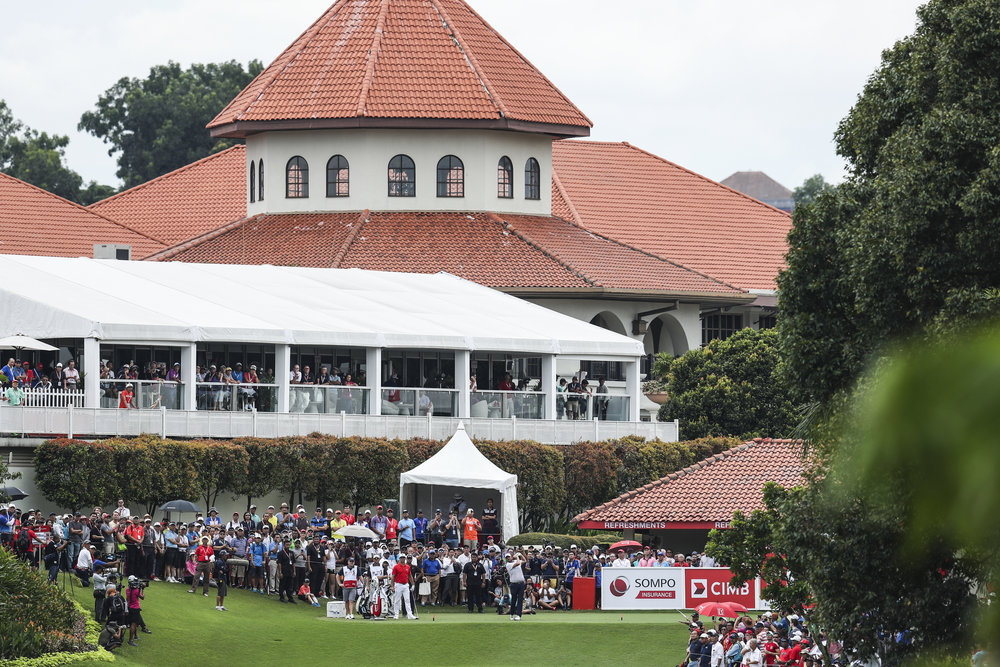 KUALA LUMPUR, MALAYSIA - OCTOBER 14: Marc Leishman of Australia plays his shot on the 10th tee during the final round of the CIMB Classic at TPC Kuala Lumpur on October 14, 2018 in Kuala Lumpur, Malaysia. (Photo by Yong Teck Lim/Getty Images)