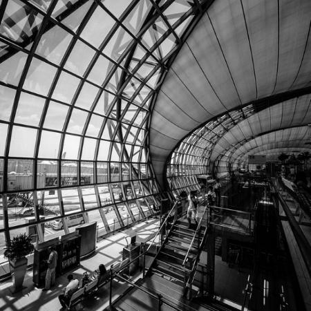 BW-airport-1853505_960_720.jpg