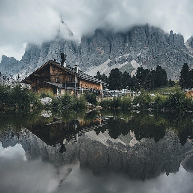 they know where to build cabins in south tyrol. i also want to say 'thank you' because we hit the 30k milestone. i really appreciate every single one of your comments, messages and double taps. stay tuned for the next adventure that starts on tuesday. picture inspired by @simon_vilgertshofer