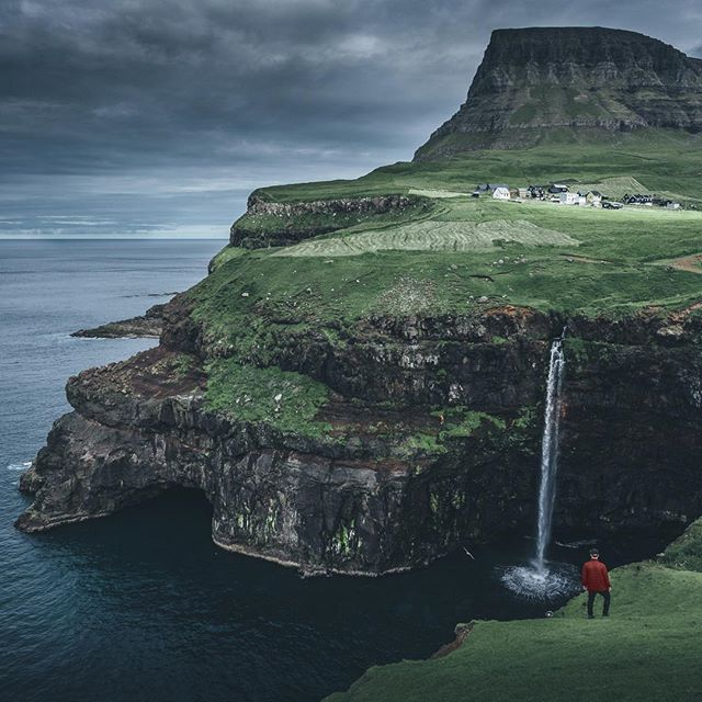 that place was one of the reasons why i wanted to travel to the faroes. seeing the beauty with my own eyes was a special moment.