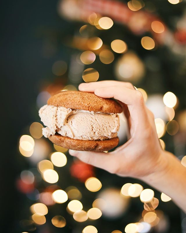 For those of you who have been listening to Christmas music since October (we all know that person), we have news for you! ✨ We're rolling out our festive flavors this week. 🎄 Try a scoop of Gingerbread between a pair of Snickerdoodles for a magical taste of Christmas. 🎅🏻❣️