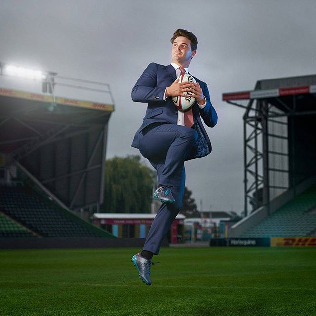 That'd be @timoswiel under the high ball.  Shot for @tmlewin with @thecantineco for the #TMLewin #infinitysuit.  #rugby #harlequins #TimSwiel #highball #sport #rugby #premiership #safehands #Twickenhamstoop #London #premiershiprugby #photographer #advertising #shoot #Athlete #player