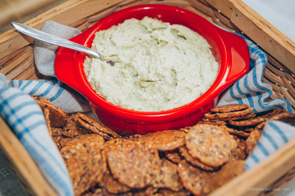 Raw zucchini almond dip served with  Mary's  gluten free crackers. Photo cred: Sergio Diaz,  www.sergio-diaz.com