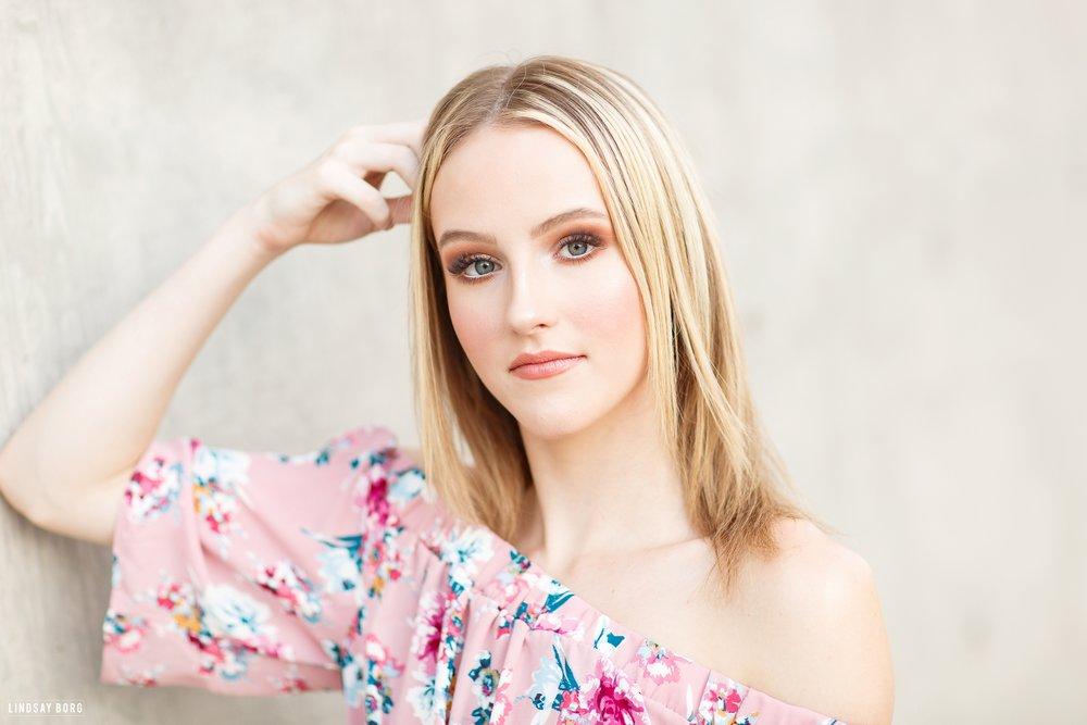 Lindsay-Borg-Arizona-Senior-Portraits (45).jpg