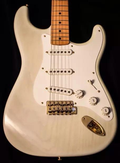 """Fender """"Mary Kay White"""" Stratocaster '57 reissue"""