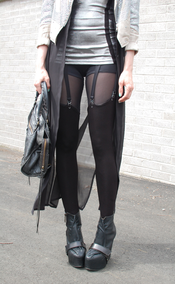 queen michelle suspender leggings.jpg