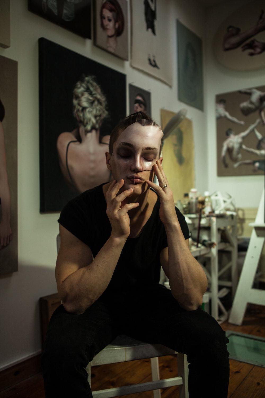 Ben-Ashton_with-Mask_Rachel-freire.jpg