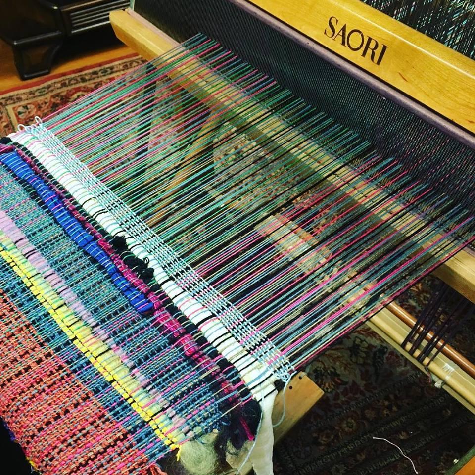 Chiaki O'Brien - Avivo Minneapolis got a special visit this month from Teaching Artists Chiaki O'Brien. She meet with community members to create beautiful weaving using a SAORI Loom.