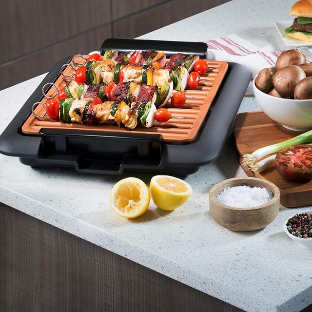 Grill indoors.....without the smoke alarm going on! Thanks to the Gotham Steel Smokeless Grill!  #smart