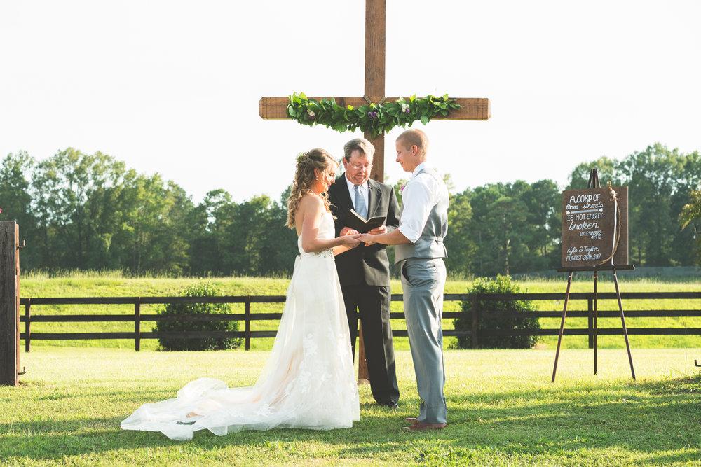 Wedding_Kyle&TaylorGilseth_Blog-91.jpg