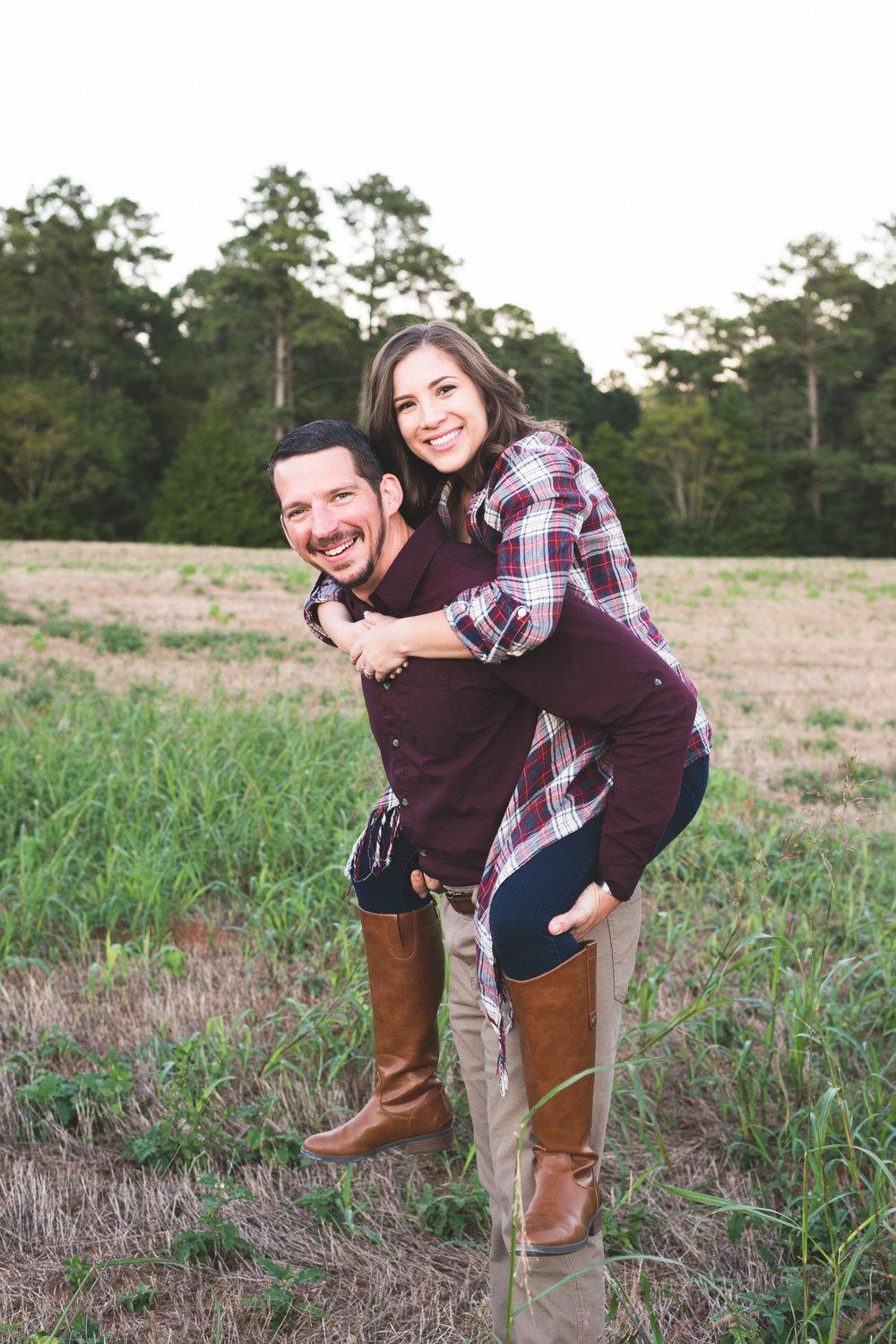 2018_Couples_Zach&Michaela_blog-19.jpg