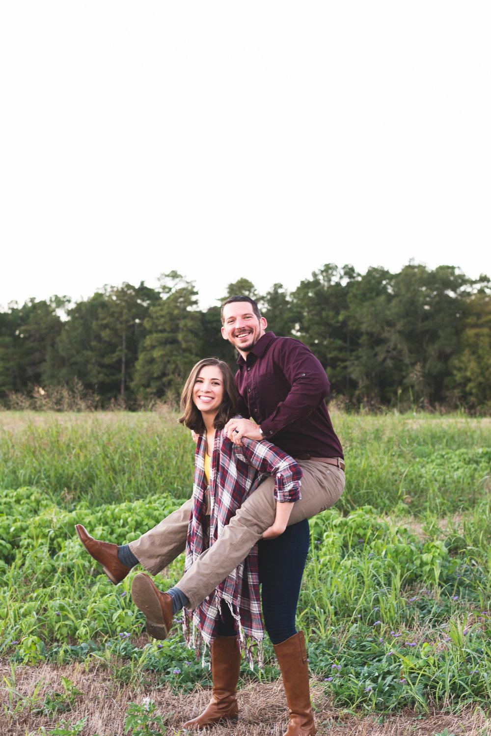 2018_Couples_Zach&Michaela_blog-22.jpg