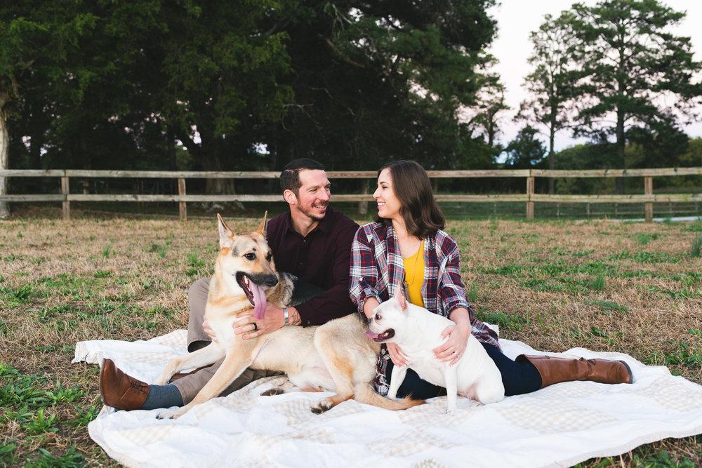 2018_Couples_Zach&Michaela_blog-26.jpg