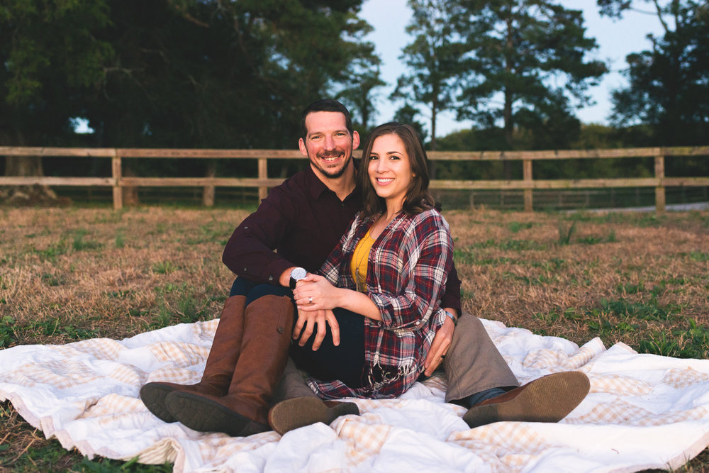 2018_Couples_Zach&Michaela_blog-32.jpg