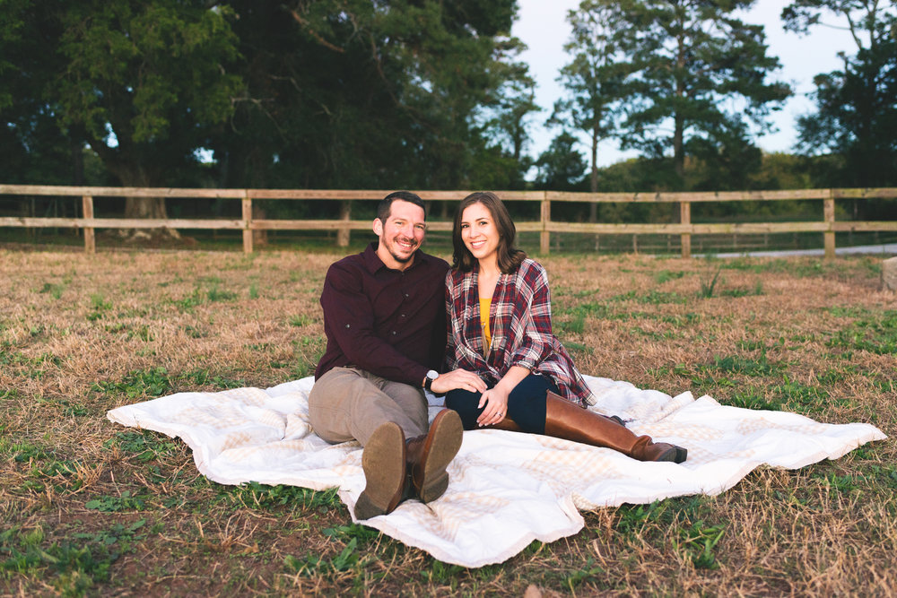2018_Couples_Zach&Michaela_blog-29.jpg