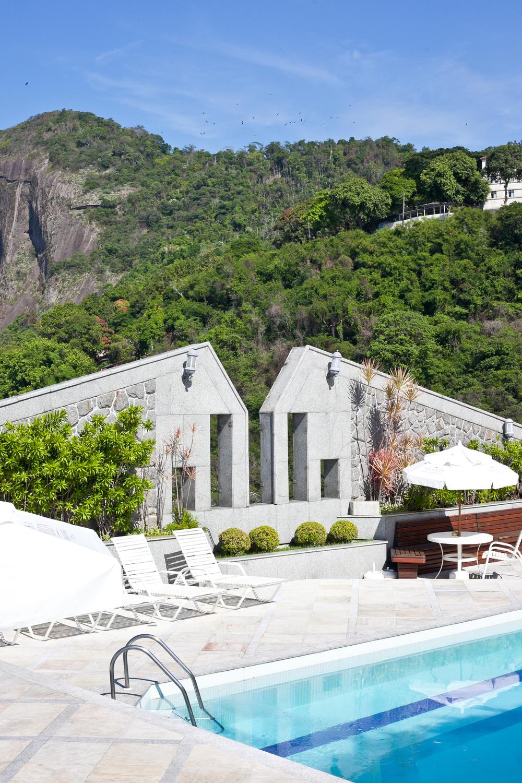 trisa-taro-rio-de-janeiro-brazil-copacabana-merlin-hotel-rooftop-pool.jpg