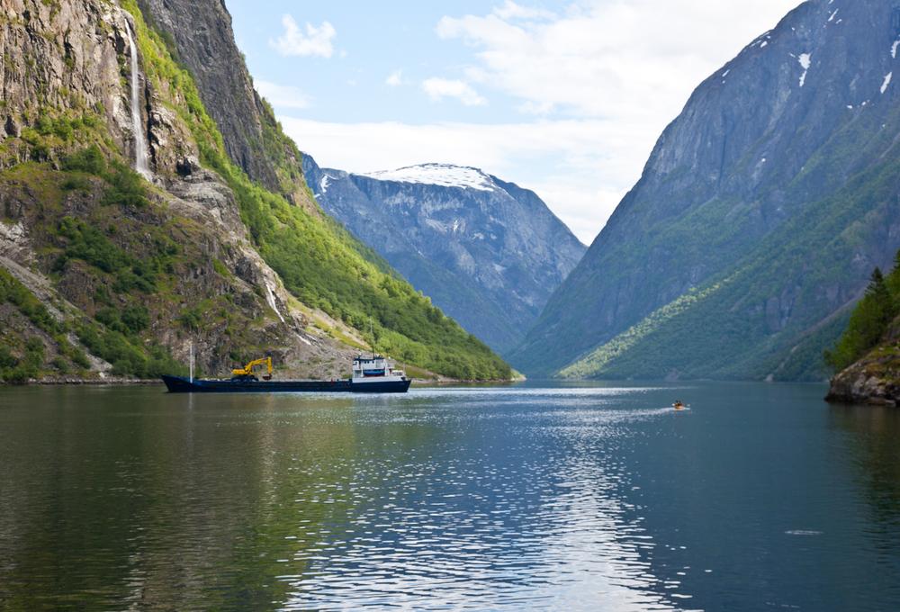 IMG_3395-naeroyfjord-norway-kayak-trisa-taro.jpg