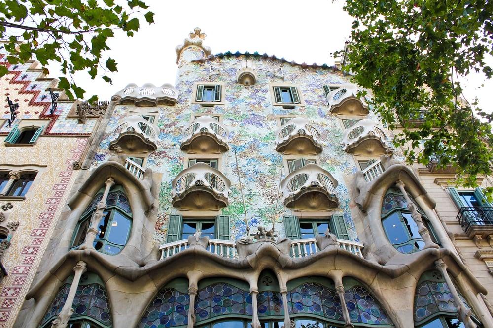 trisa-taro-casa-batllo-barcelona-spain.jpg