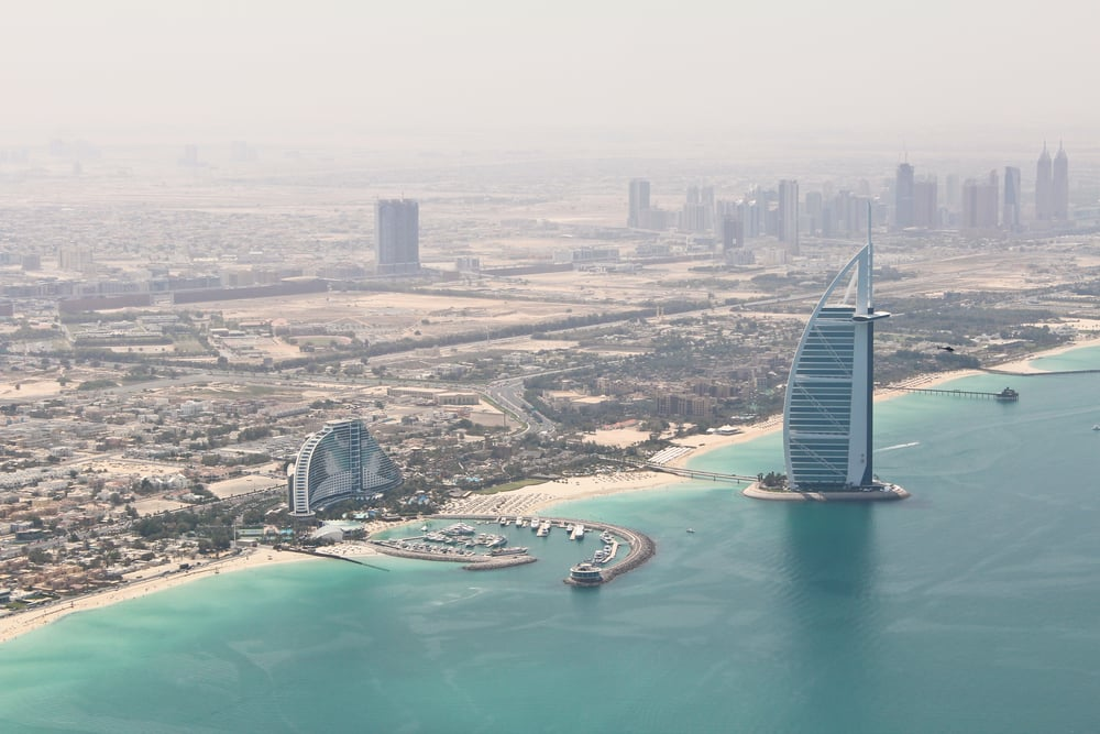 trisa-taro-burj al arab-helipcopter-dubai.jpg