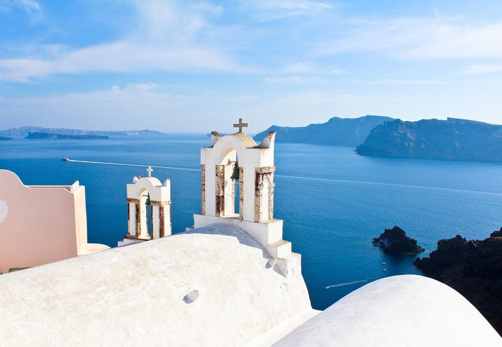 trisa-taro-oia-santorini-greece.jpg
