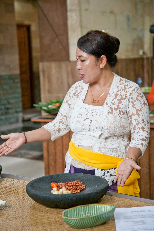 IMG_9971-ubud-bali-cooking-class-trisa-taro.jpg