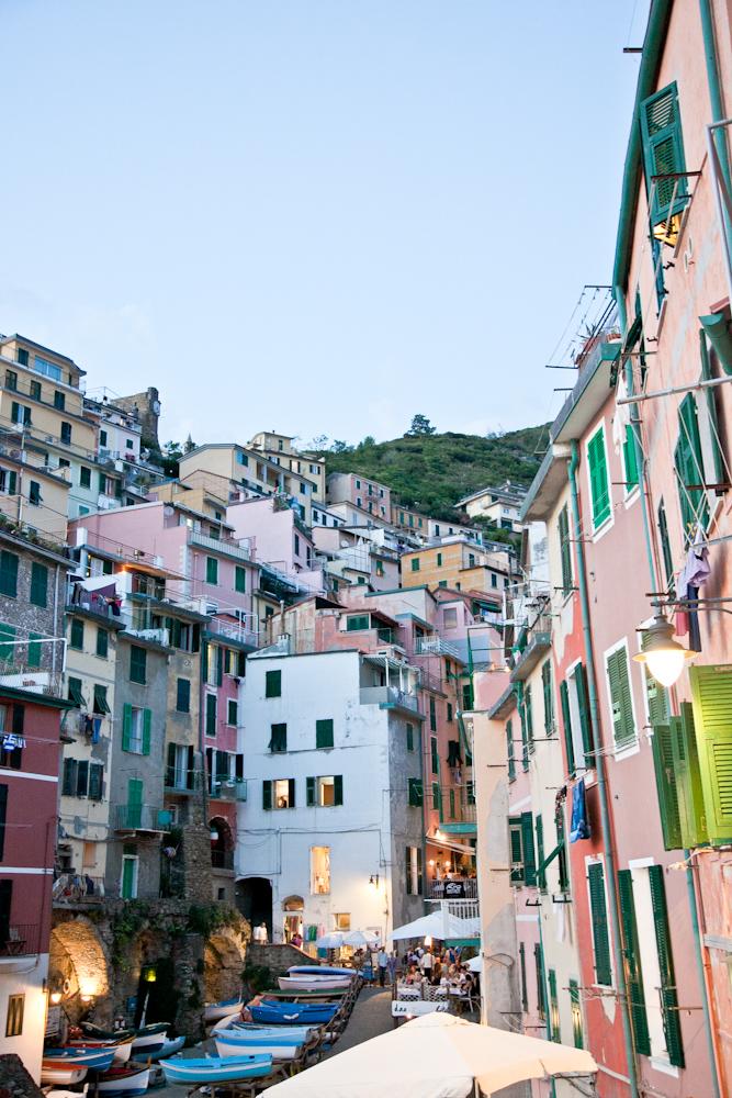 IMG_6090-riomaggiore-cinque-terre-italy-trisa-taro-the-free-passport.jpg